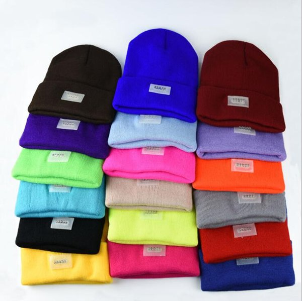 Winter Warm Beanies Hat LED Light Sports Beanie Knitted Cap Hunting Camping Running Hats Unisex Beanies Cap 600pcs