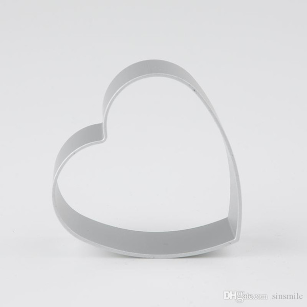 Wholesale- Heart Shaped Mold Biscuit Pastry Muffin Cases Cake Cupcake Liner Baking Mold Cutter Mold