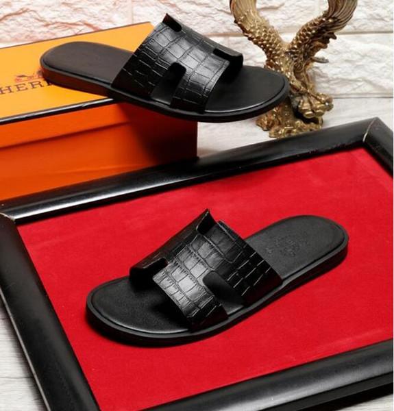 Yüksek Kalite Lüks Marka Tasarımcı Erkekler Yaz Kauçuk Sandalet Plaj Slayt Moda Scuffs Terlik Kapalı Ayakkabı Boyutu EUR 38-45