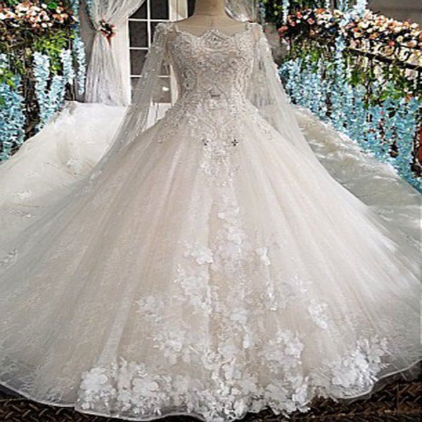 2019 Bohemian Long Tulle Veil Wedding Dresses Backless Shining CrystaL Sequins Hand Made 3D Floral Applique Illusion Neckline Bridal Gowns