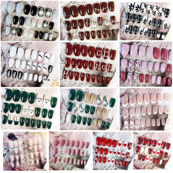Section adhésive 24 pièces de nail art faux ongles patch pièce de tête ronde petite pièce