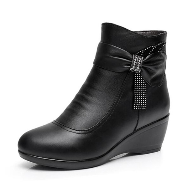 2018 New Winter Elegant Rhinestone Black Cow Leather Boots for Women Large Size Comfort Warm Wool Ankle Boots Non-slip Wedge Shoes Woman