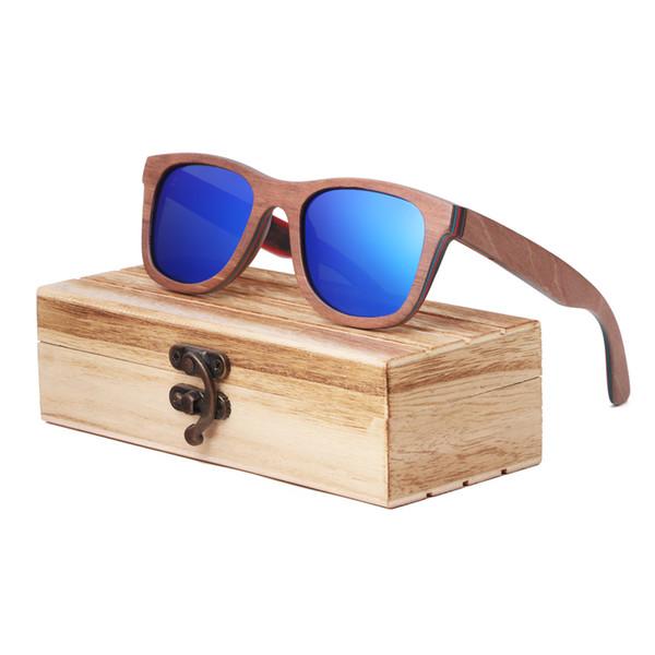 lente azul con el caso