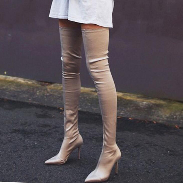 Über dem Knie-Ausdehnungs-Gewebe-Winter-Aufladungs-Frauen-2018 reizvolle spitze hohe Absatz-Damen beschuht europäische Socken Schenkel-hohe Aufladungen