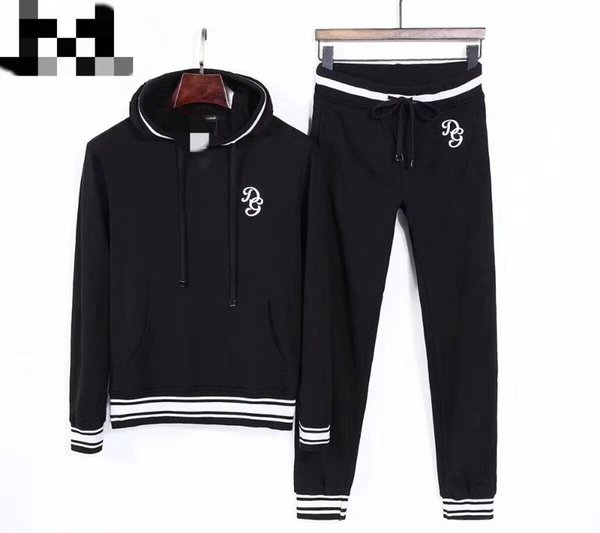 2018 new sweater suit with hood Comfortable style cotton fabric in embroidery pattern