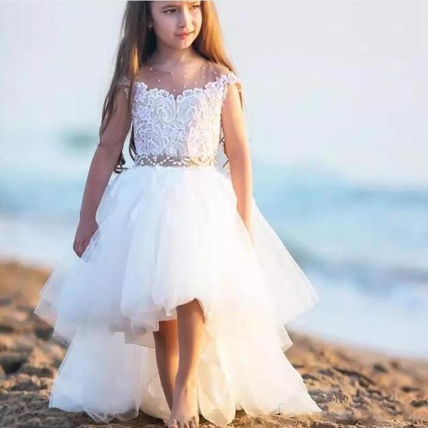 2018 Belle Blanc Fleur Filles Robes Jewel Cou Cou Pure Manches Courtes Hauts Bas Anniversaire Robes Dentelle Applique Peplum Formelle Robes De Fête