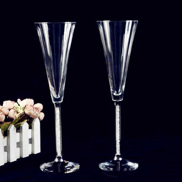 GFHGSD Creative 150ML Crystal Wine Glass Luxury Toasting Wine Goblets for Wedding Party with Rhinestones Filled Stem Glass EDG10