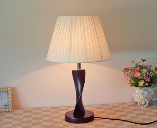 Table Lamp Wooden Base Lights Desk Light Night Light e27 Holder Mini Retro Bedside Lamp La Lamparas for Home Bedroom Decorate