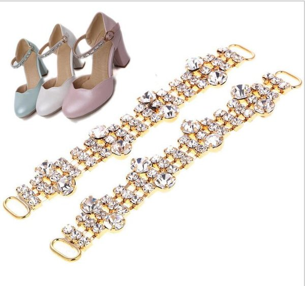New crystal shoes, acrylic, shoes and buttons, sandals, accessories, fashion, flip flops, decorative materials.