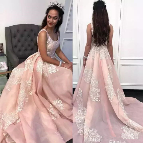 2018 Prom Dresses Light Pink Round Neck Sleeveless with Lace Appliques Sweep Train A Line Evening Dresses Cheap Party Quinceanera Dresses