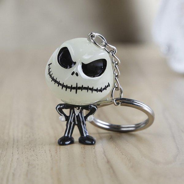 noctilucent porte-clés Nightmare avant la noël crâne costume voiture porte-clés porte-clés accessoires Résine vision nocturne blanche