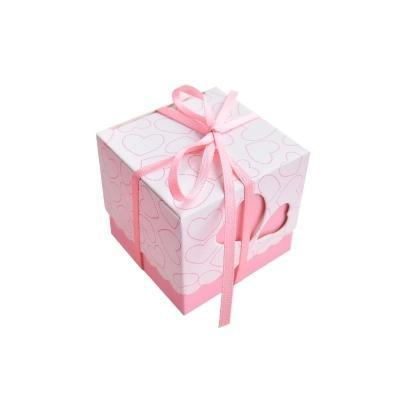 Scatola di caramelle di nozze Taglio laser Scavato Cuore di amore con nastro Scatole di carta regalo Baby Shower Bomboniere Vendita calda