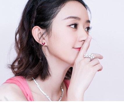Стержни уха влюбленности иглы Корейского стерлингового серебра, серьги личности женщин красные