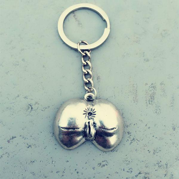 Single male female gift sale exaggerated genital genital key chain pendant nude female car key ring jewelry