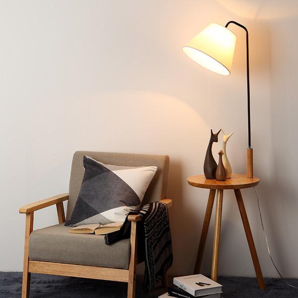Acquista Lampada Da Terra Mobili In Ferro Nordico Moderno Lampada Da Terra  Moderna Da Soggiorno Minimalista Con Tavolo Da Studio Con Tavolino Da ...