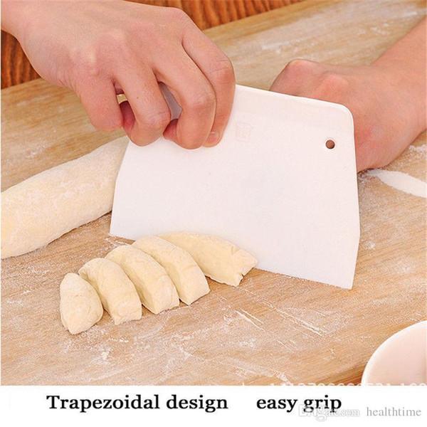 Atacado-Diy Baking Scraper Manteiga De Plástico Bolo De Dough Cutter Ferramentas De Cozimento De Cozinha Tamanho Pequeno Frete Grátis
