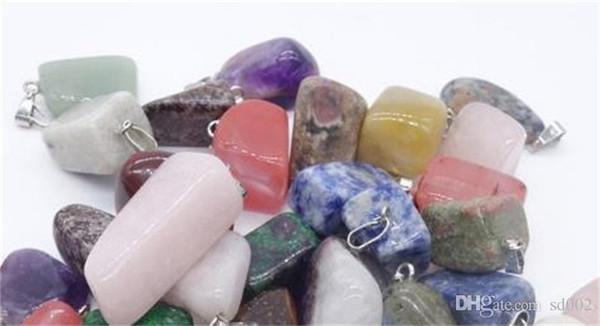 Praktische Stein Unregelmäßige Form Anhänger Charm Färbung Pulver Kristall Ornament Zubehör Mischpunkt Schmuck Anhänger Roman 0 85zy cc