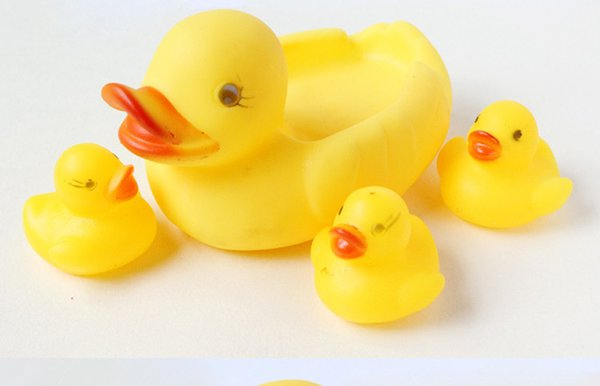 Cute Baby Girl Boy Bath Bathing Classic Toys Rubber Race Squeaky Ducks Set Yellow Sale,4PCS/SET DHL