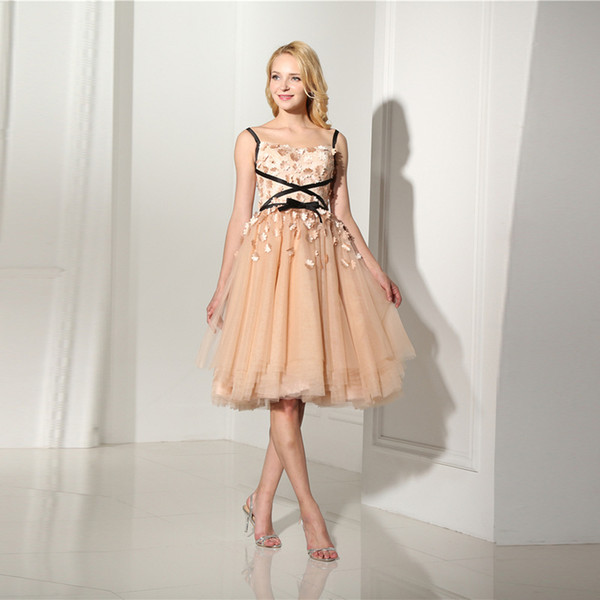 Fancy Ball Gown Prom Dress knee length pleats tulle with applique Stunning evening dress party dresses lace-up back