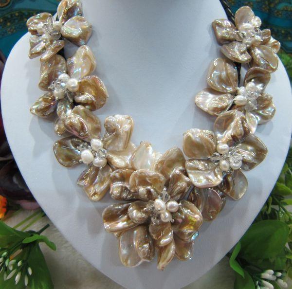 Ganzes saleFree Verschiffen !!! Shell-Blumenhalskette der natürlichen Süßwasserbarockperlenkristall 7 auf Leder