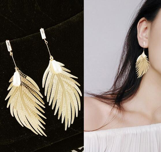 Hot Style Metallic feather stud pearl web celebrity temperament simple long style pendant personality earrings stylish classic exquisite