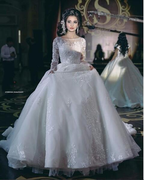 White Tulle Long Sleeve Ball Gown Princess Wedding Dresses 2019 New Style robes de mariée Berta Reception Wedding Gowns Bling Long Train
