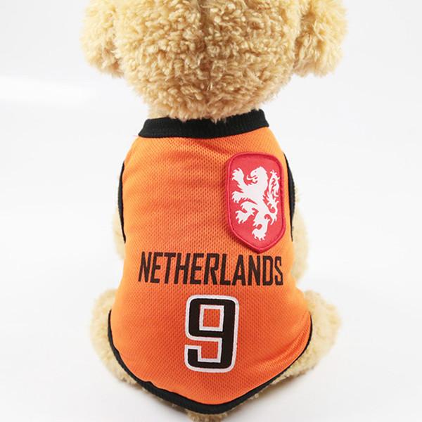 Russland Mantel Mode Sommer Hundebekleidung Weste Für Kleine Hunde Haustier Jacke Persönlichkeit Fußball Team Hunde Wort Tasse Shirts
