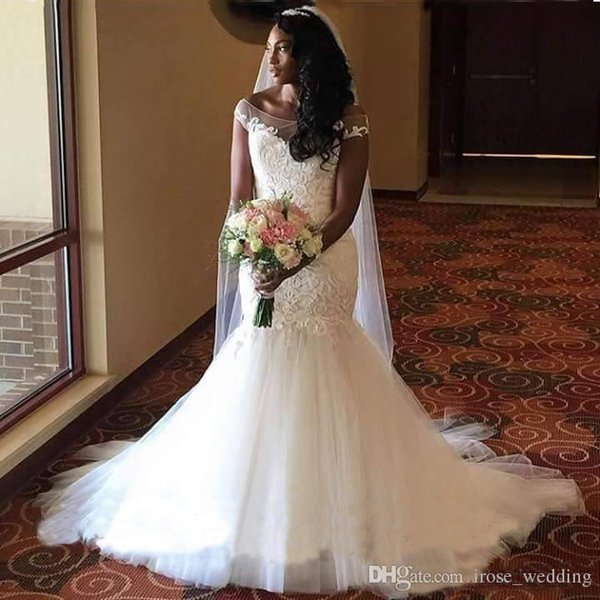 Plus Size Mermaid Wedding Dresses Lace And Tulle Illusion Cap Sleeves Wedding Gowns Back Covered Button Bridal Dress 2017
