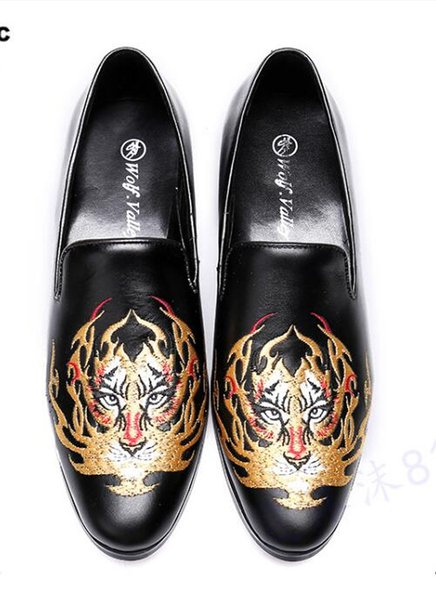 2018 New Men Trendy Tiger embroidery Loafers Dress Shoes Italy Mlae Homecoming Prom Party Pageant Wedding Shoes Moccasins S396