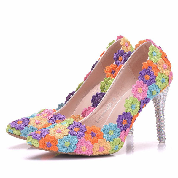 2018 New Fashionl Multi Flowers pointed toe dress shoes for women 9cm heels Elegant Lace wedding shoes thick heel dress shoes Plus Size
