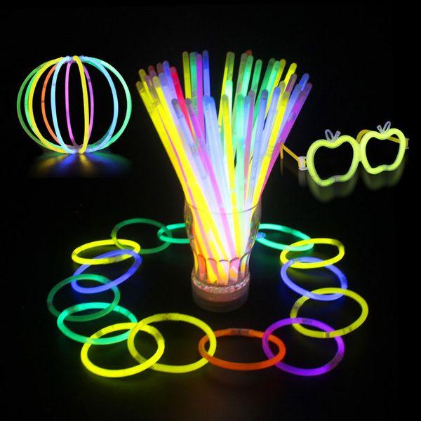20 cm Multi Couleur Hot Glow Stick Bracelet Colliers Neon Party LED Clignotant Bâton Baguette Nouveauté Jouet LED Concert Vocal LED Bâtons Flash