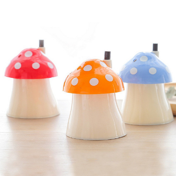 New Novelty Pocket Plastic Mushroom Home Design Automatic Toothpick Holder Dispenser Box Home Decor Fashion Toothpick Case 1PCS