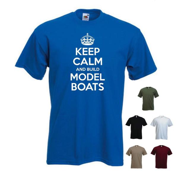 Mantenha a calma e construa os navios dos barcos modelo, passatempo, T engraçado do t-shirt