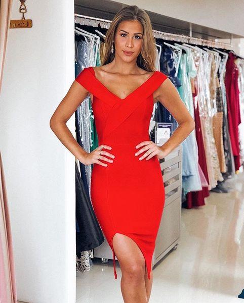 Vestidos de coctel rojos calientes Funda Spandex Cuello en V Noche sexy vestido de fiesta para niñas Vestido de noche simple con abertura en la pierna
