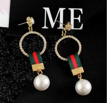 Hot new designer crystal pendant pearl letter earrings ear clip ladies jewelry gift fashion accessories