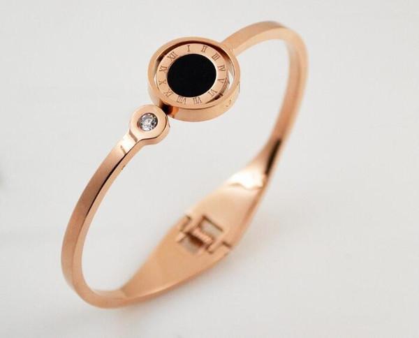 Europe et Amérique rotation chiffres noir et blanc creux chiffres double face bracelet mode titane acier marée femelle rose doré bracele
