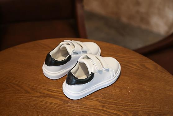 Детская весна 2018 новая легкая белая обувь, мальчики девочки мягкие подошвы одиночные обувь Детская обувь.
