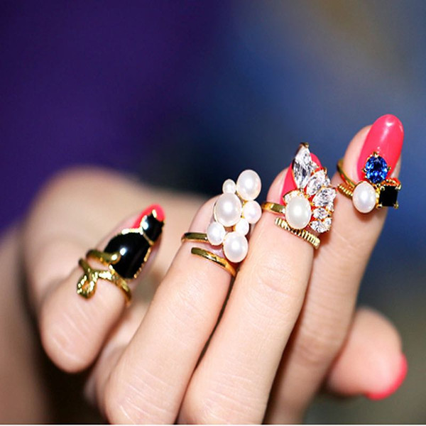New Fashion Joint Rings Women Jewelry Cat Pearl Nail Ring Rhinestone Manicure Fingernail Rings 4pcs In One Set Charm Nail Rings