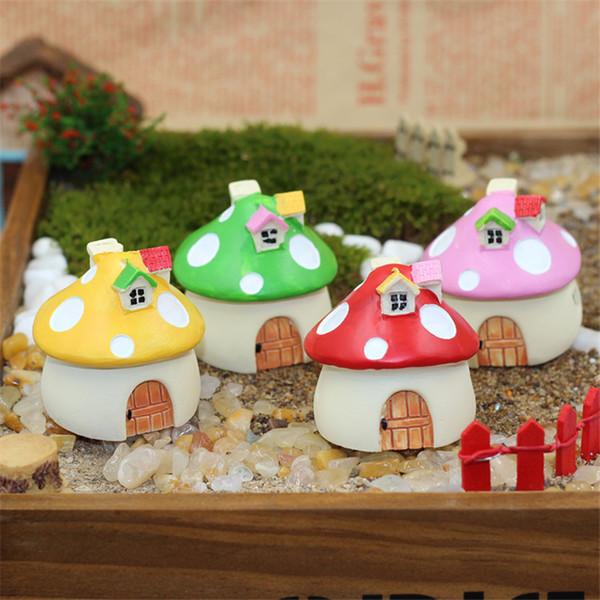 2017 4pcs /Set New Design Popular Resin Craft Garden Ornament Plant Pot Fairy Mushroom House Garden Decor Gift Free Shipping N783