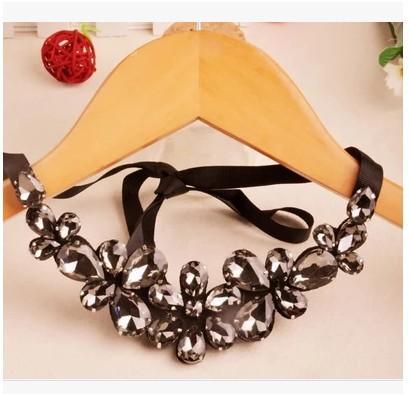 Lätzchen Anweisung Blume Kragen Spitze Choker Anhänger Halskette Vintage Schmuck Anweisung Halskette Choker Strass Perle