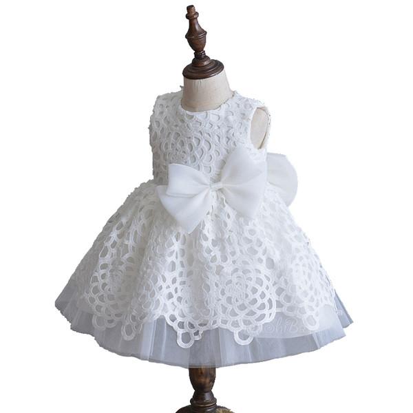 Recién nacido 2018 Vestidos de niña blanca para bodas Vestido de bebé Vestido de bautizo Vestido de fiesta de encaje blanco de verano con ropa de moda con lazo