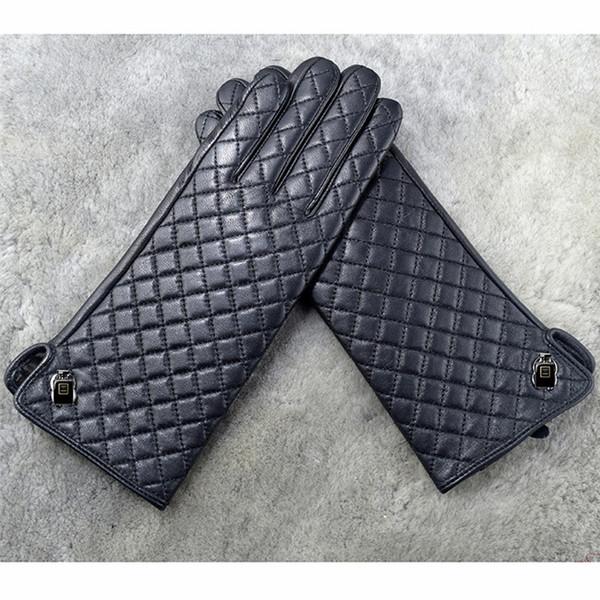 Der Hersteller hat die hochwertigen Export-Schaffellhandschuhe und Damenhandschuhe aus echtem Leder gefertigt