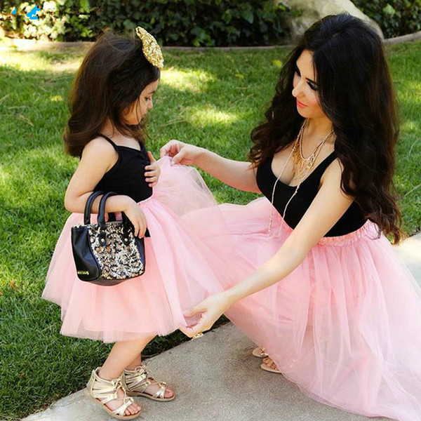 Matching Mom and Daughter Family Clothes Dresses Sleeveless Pink Mesh Patckwork Tutu Dress for Princess Mommy and Me Outfits