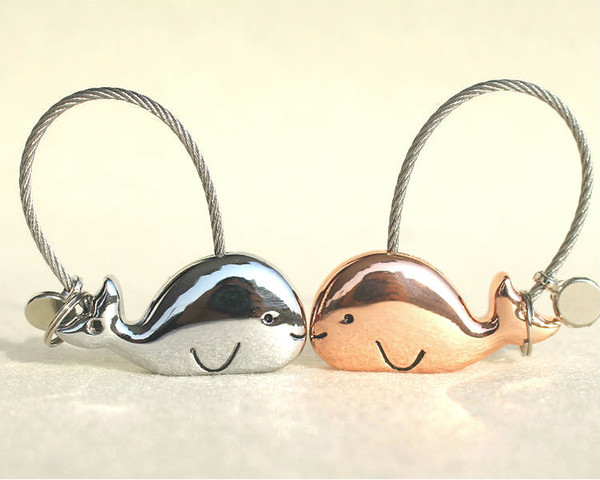 Funny Cute Lovely Metal Dolphin Whale Couple Keychains Car Animal Metal Key Chain Key Ring Holder Lovers Gifts Party Gift
