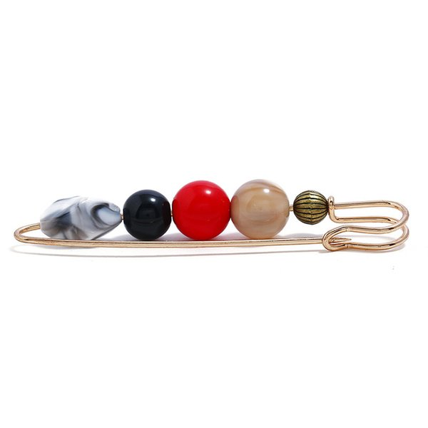 Vintage brooch Acrylic pine stone beads jewelry Creative design beautiful and generous clothing Small commodity wholesale