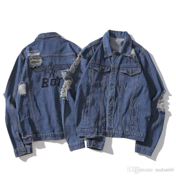 2018 tide brand hole denim clothing for men and women casual loose worn denim jacket.