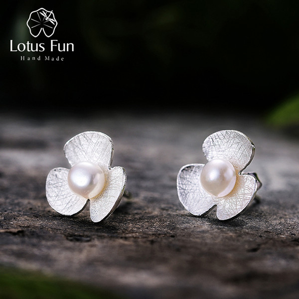 Lotus Fun Real 925 Sterling Silver Natural Pearl Handmade Fine Jewelry Cute Fresh Clover Flower Stud Earrings for Women Brincos S18101206