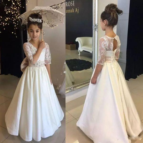 Weiß Eine Linie Blumenmädchenkleider Für Hochzeiten Oansatz Halbe Hülse Kleine Mädchen Pageant Kleid Für Jugendliche Offene Rückseite Heilige Kommunion Kleider
