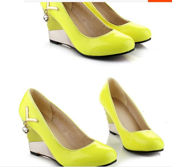 Free send Hot New style Korean women's shallow mouth round head diamond Slope heel Single shoes high heeled shoes