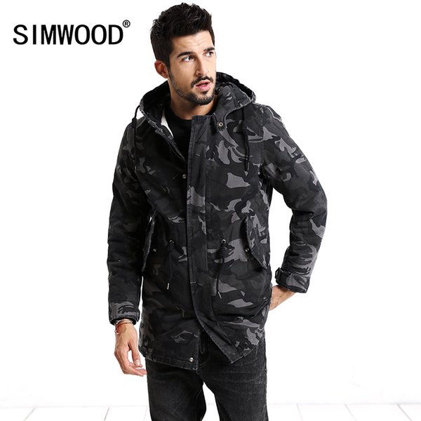 SIMWOOD 2018 Winter Coats Fashion Camouflage Jacket Men Pocket Slim Fit Hooded Parka High Quality Plus Size Trench MC017007 C18111301